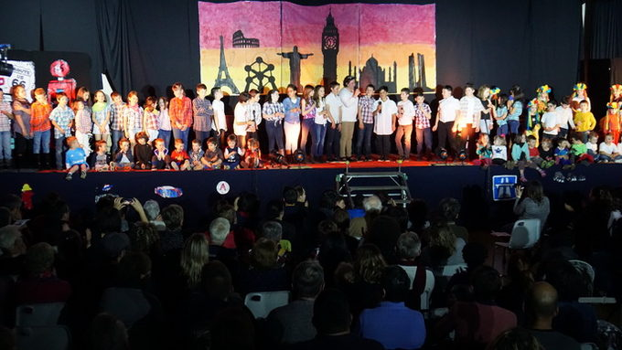 Spectacle18-Ecole122_redimensionner.JPG